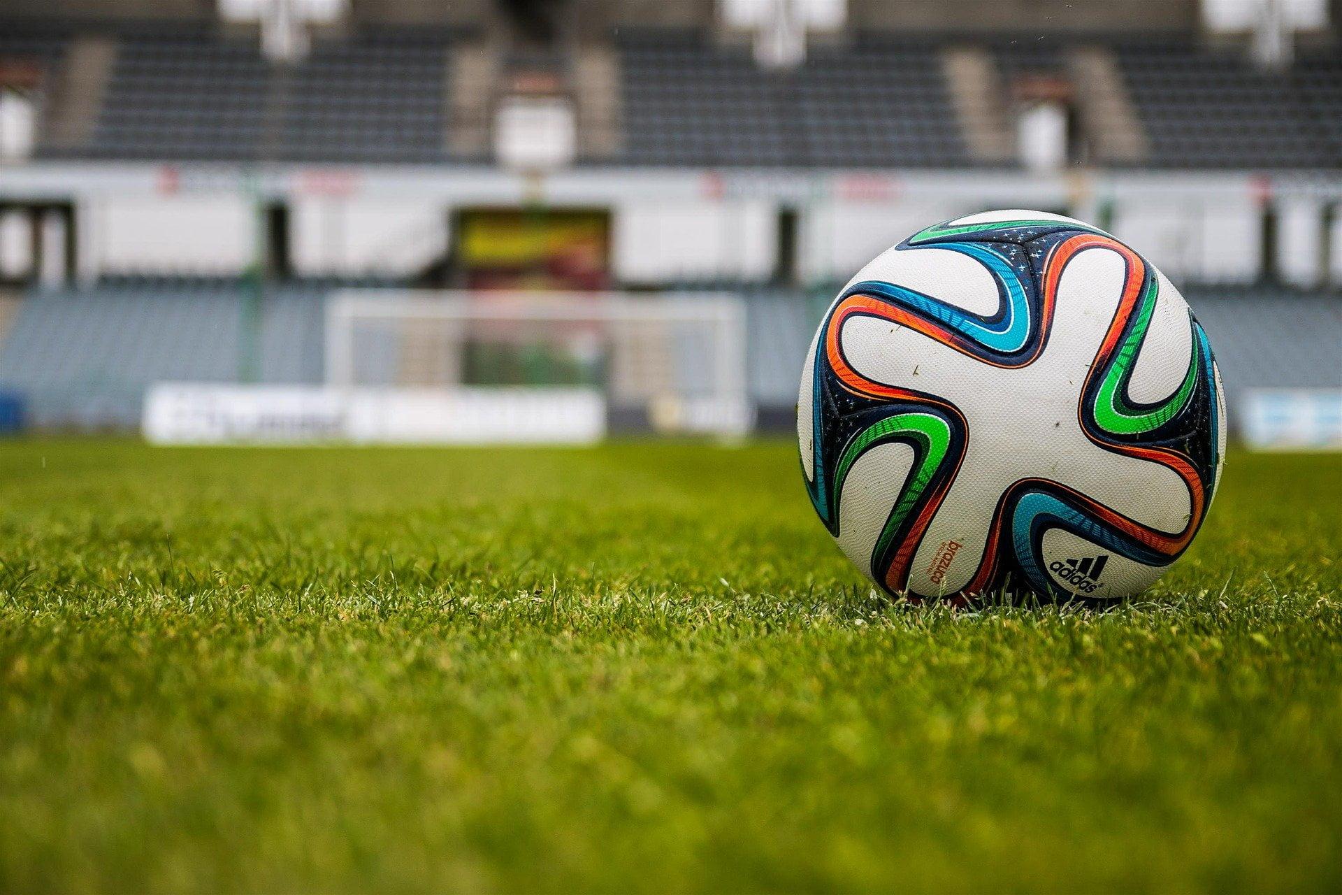 Sportivii surzi au primit peste 3.000 euro de la Viorel Paunescu