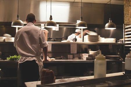 4 moduri in care poti reduce pierderile unui restaurant