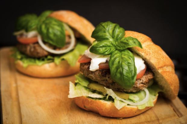 Dieta şi burgerul de curcan – cum se îmbină perfect cele două concepte?