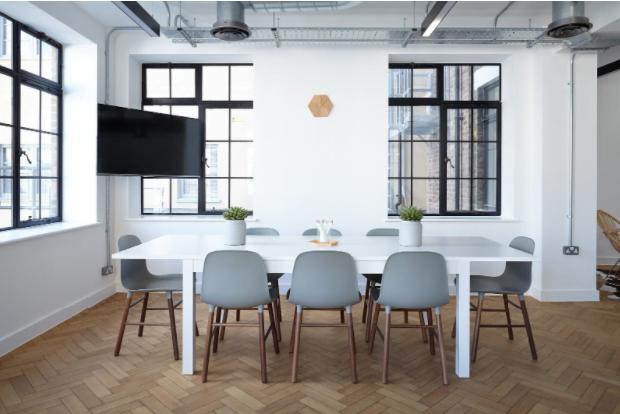 Motive pentru angajarea unui agent imobiliar comercial atunci când închiriați spații de birouri