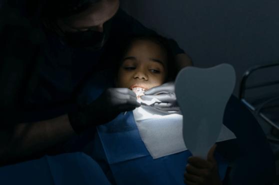 Cum afectează frenul lingual alăptarea şi vorbirea la copii şi de ce este necesară frenectomia laser?